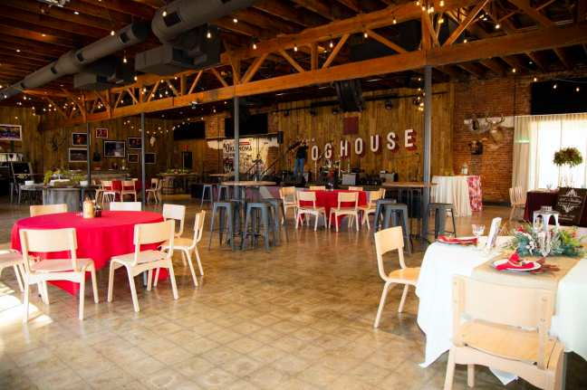 Ole-Red-Tishomingo_4_doghouse4_The-Doghouse-interior-2020